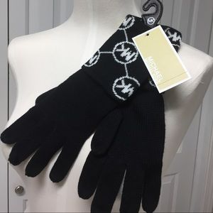MICHAEL KORS sweater knit gloves